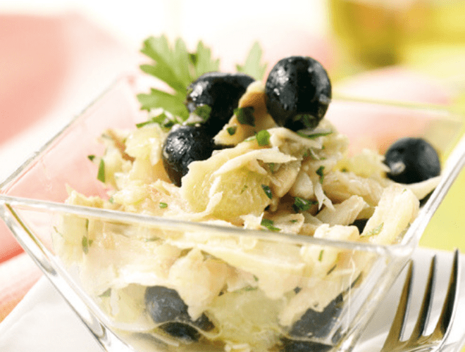 Insalata di merluzzo e olive nere